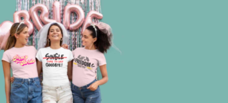 Drie jonge vrouwen vieren een vrijgezellenfeest